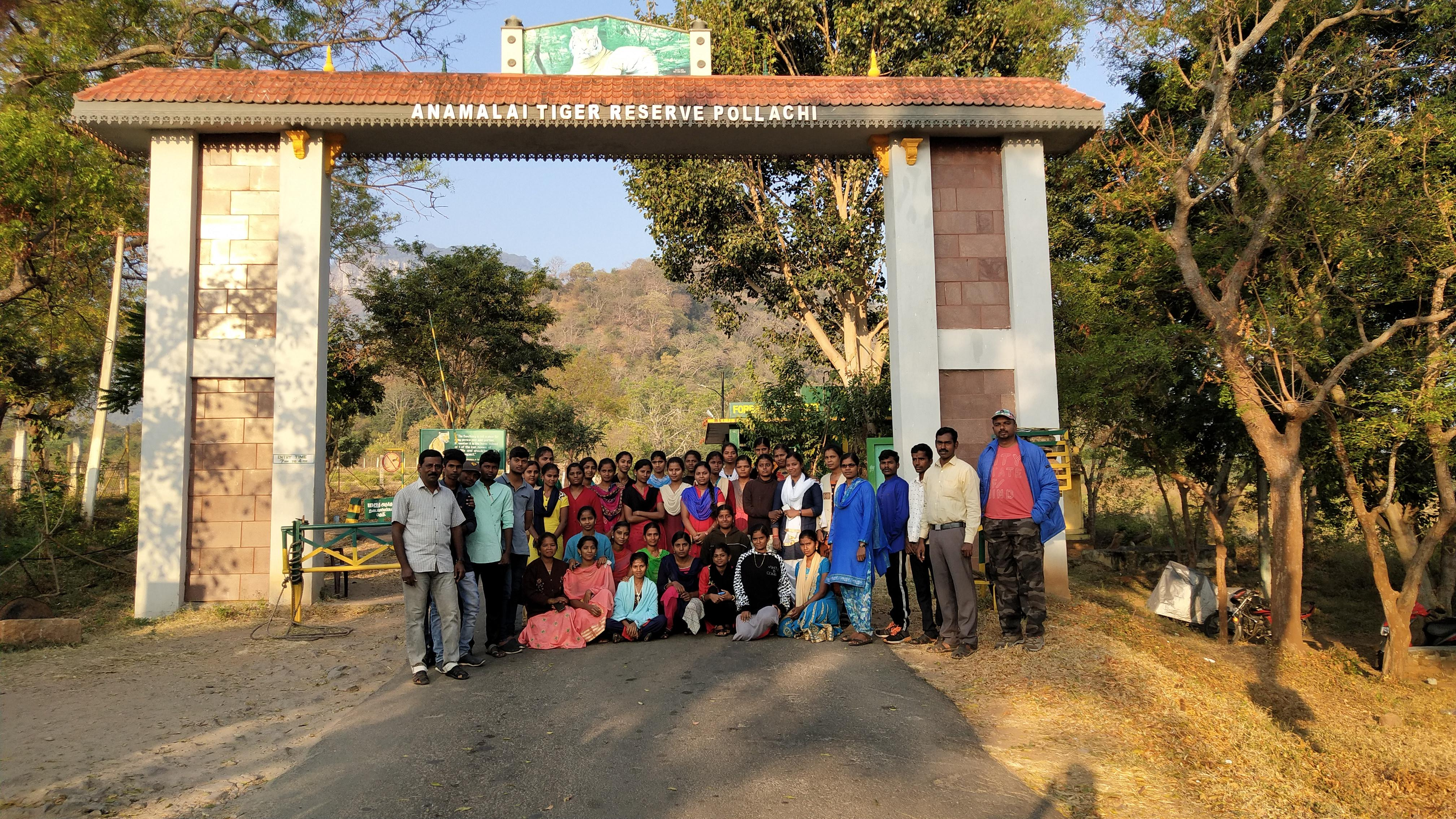 Zoology Students Study Tour at Topslip